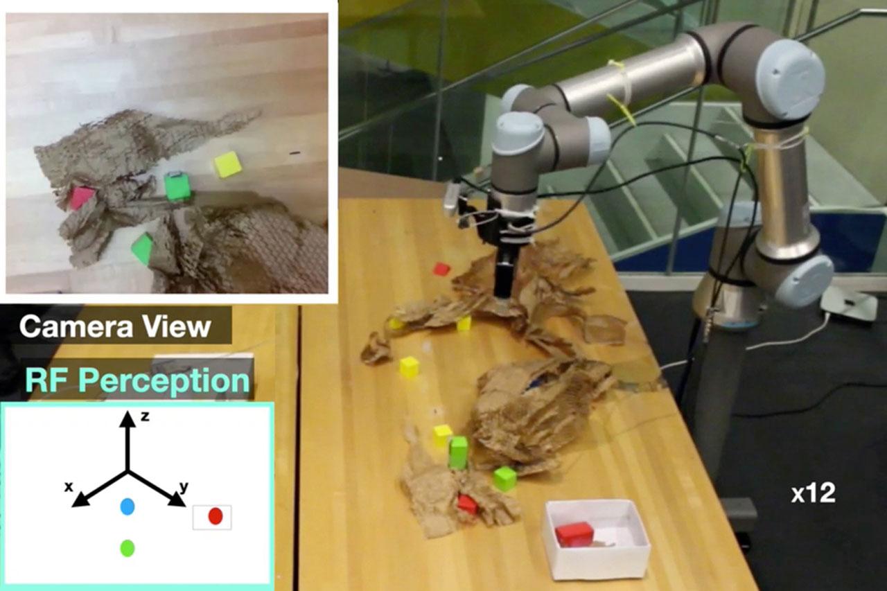 El robot del MIT detecta objetos ocultos mediante radiofrecuencia penetrante