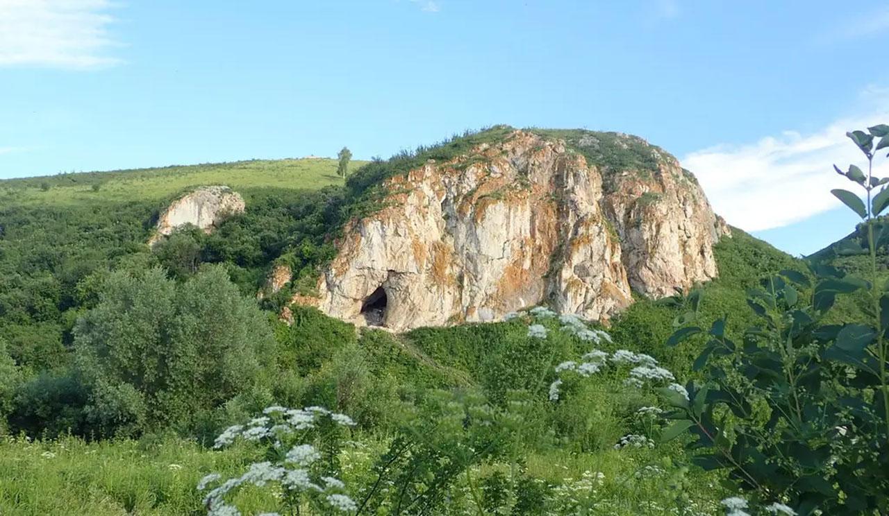 Investigadores extraen ADN neandertal de la tierra dentro de una cueva antigua