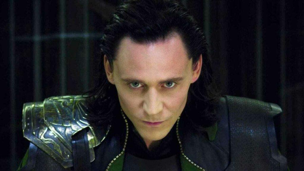 """¿Listo para la serie """"Loki""""?  Tom Hiddleston te pone en forma en solo 30 segundos"""